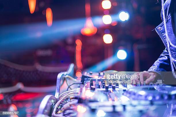 woman dj - popular music concert stock pictures, royalty-free photos & images