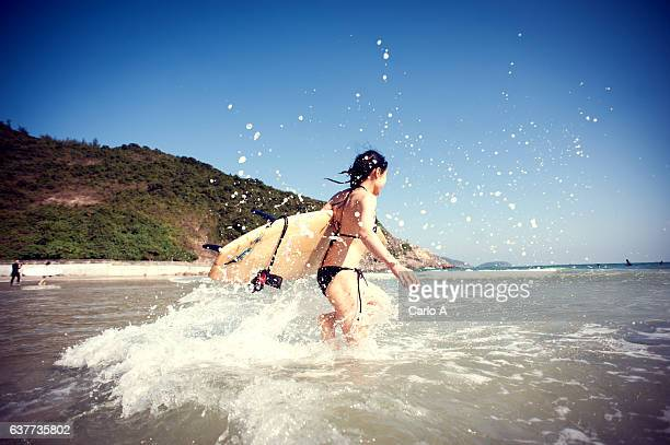 Woman doing surf