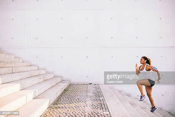 woman doing workout. - steps stock pictures, royalty-free photos & images