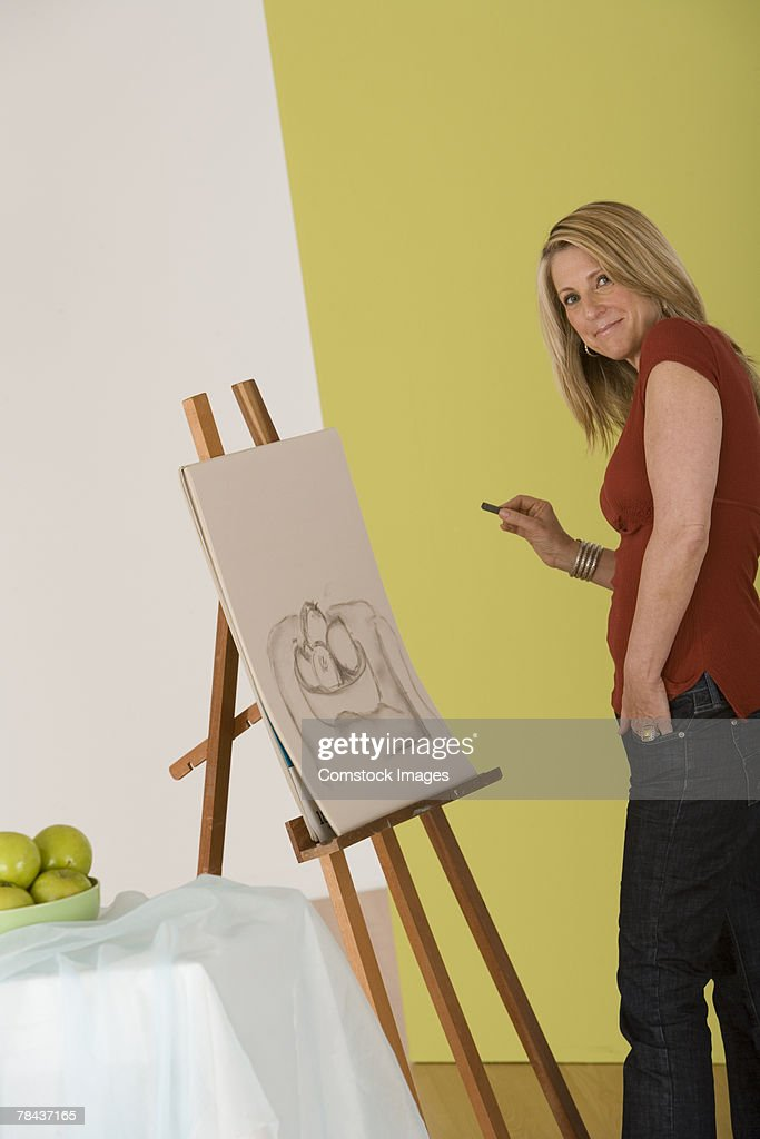 Woman drawing a picture : Stockfoto
