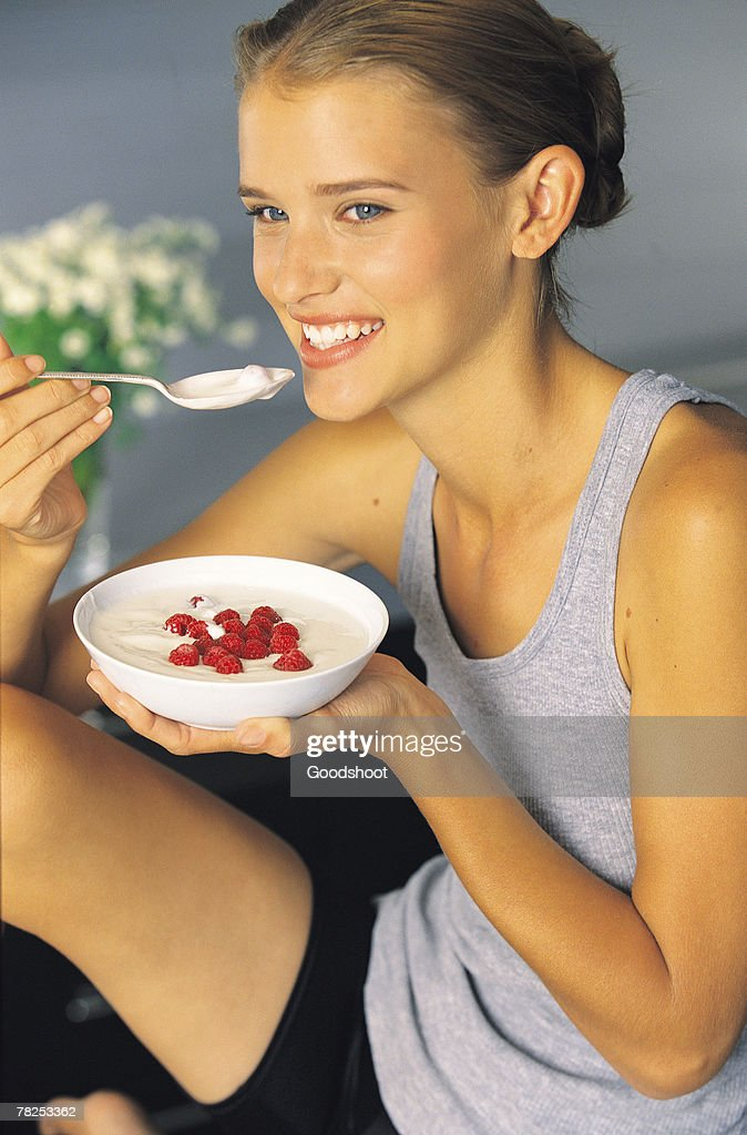 Woman eating healthy : Stock Photo