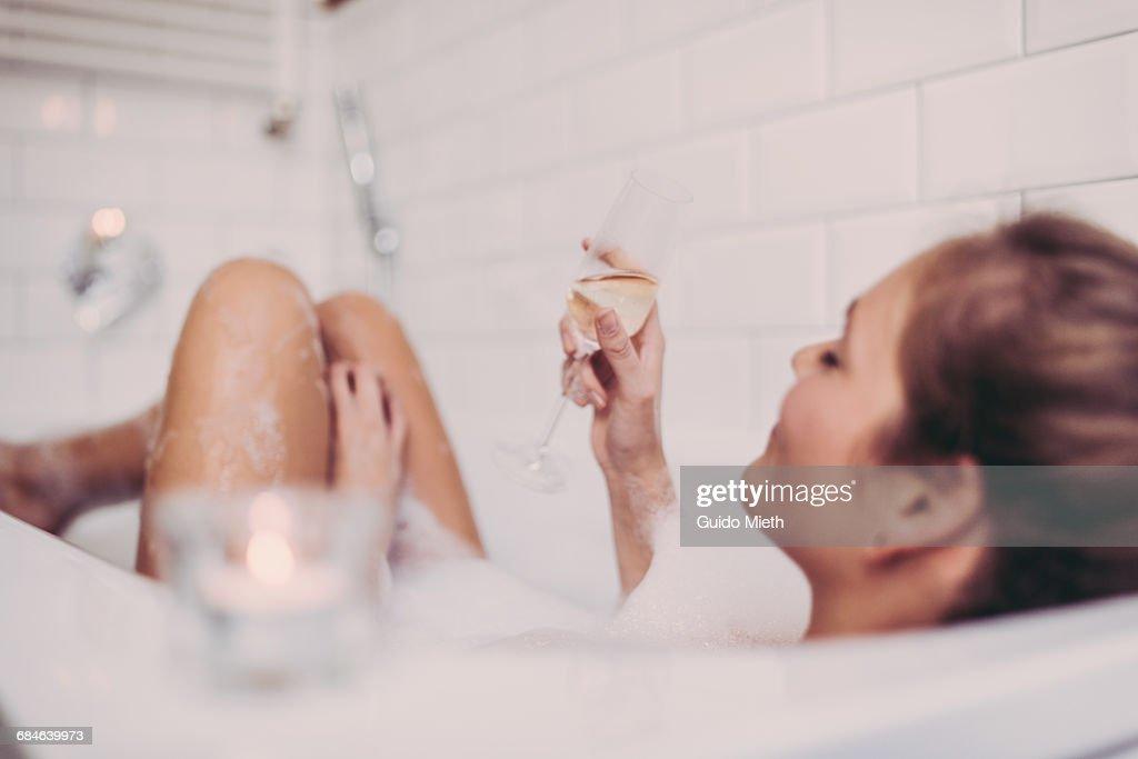 Woman enjoying a bath. : Stock-Foto