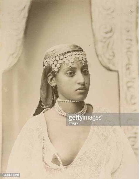 Woman from Algeria Journey to Tanger Oran Algér 1890 Albumen print Photograph Photo album from the estate of Empress Elisabeth From the archducal...