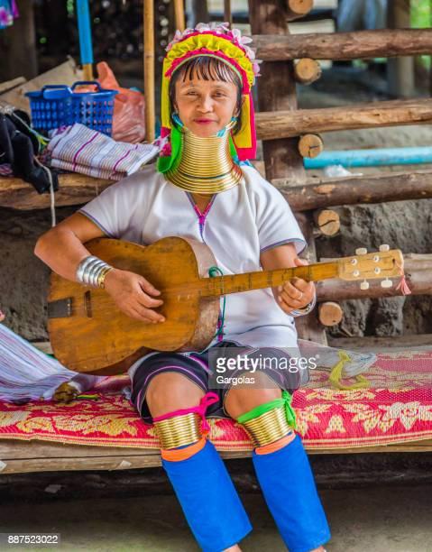 Vrouw uit lange nek Karen Tribe in Thailand
