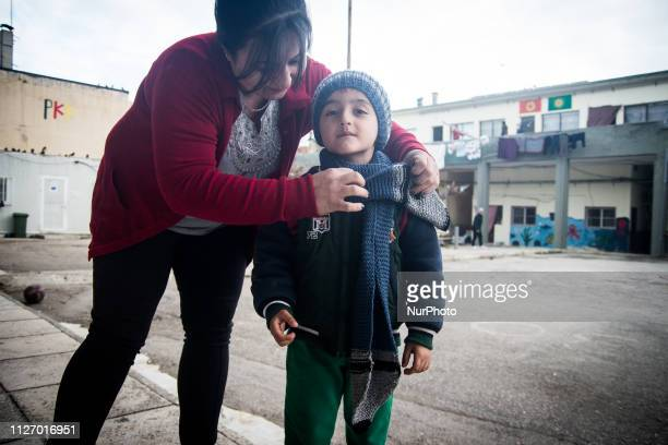 A woman from northern Greece made scarfs and beanies for the children from Afrin Kobani and other Kurdish cities that are stranded in the refugee...
