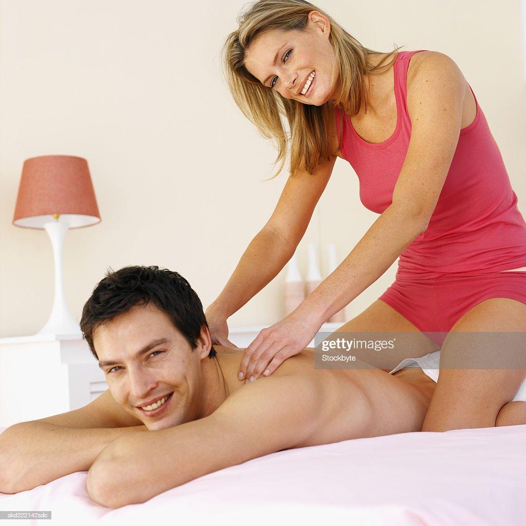 Мужчина трахает девку смотреть