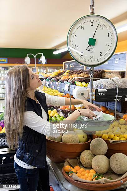Frau Lebensmittel-Einkaufsservice