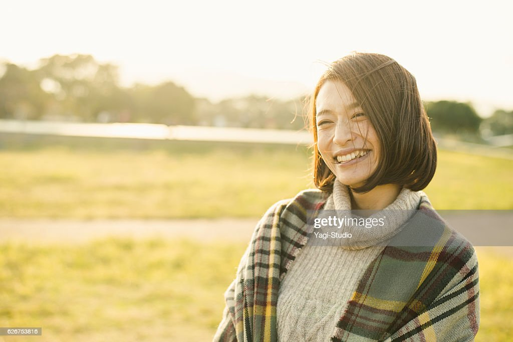 Woman having fun time in outdoors : ストックフォト