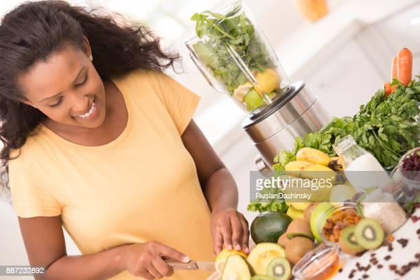 Frau gesund essen Konzept.