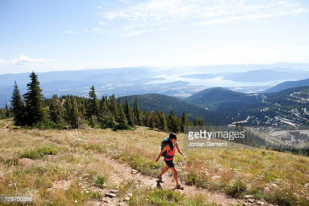 woman hiking in the summer - idaho stock pictures, royalty-free photos & images