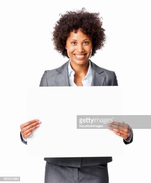 Frau hält eine leere Schild-isoliert