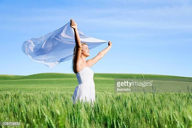 風力を持つ女性のファブリック