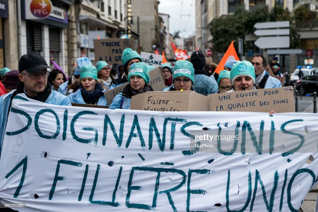 Employees of the Lyon Croix Rousse hospital protests