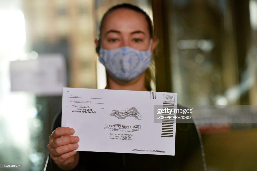 US-POLITICS-VOTE-PRIMARY : News Photo