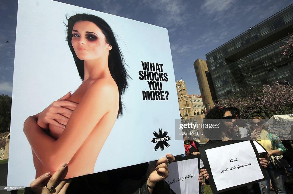 LEBANON-SOCIETY-WOMEN-RIGHT-PROTEST : News Photo