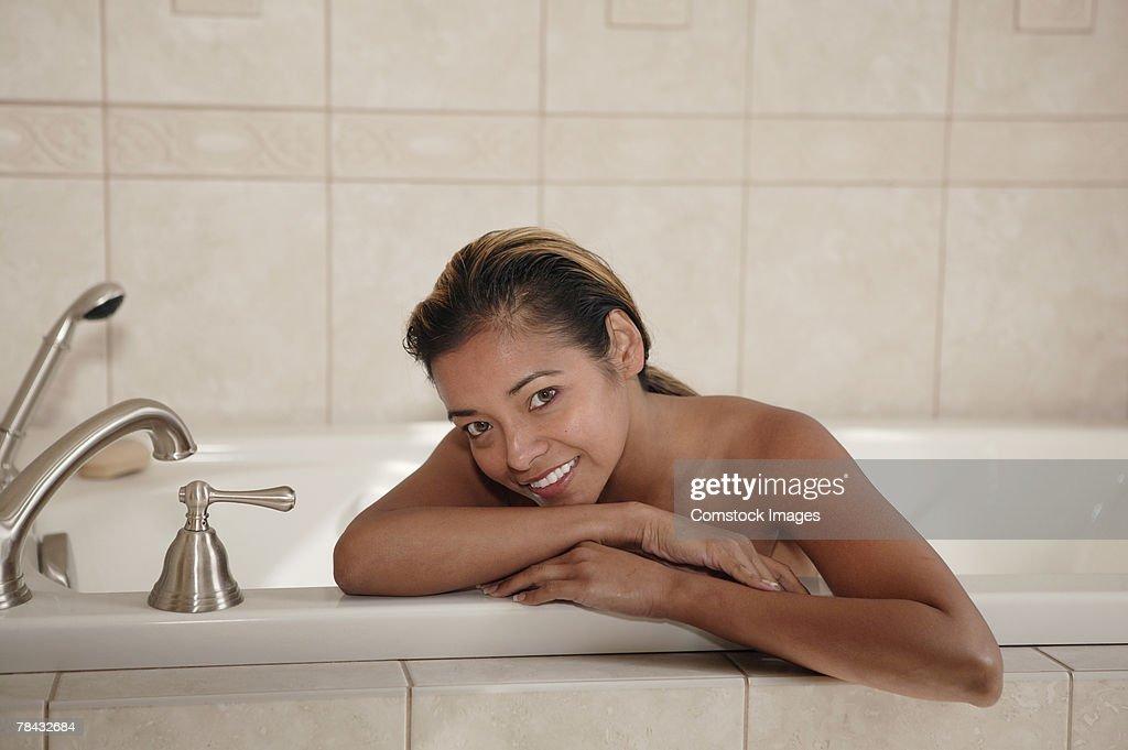 Woman in bathtub : Stockfoto