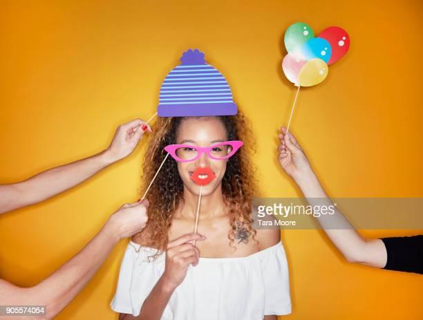 woman in fancy dress - disfrazarse fotografías e imágenes de stock