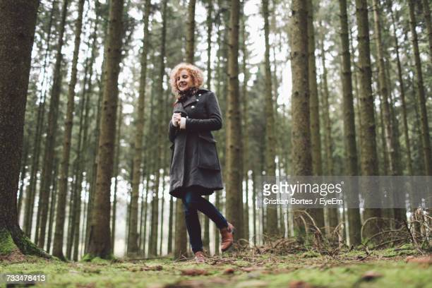 woman in forest - bortes stock pictures, royalty-free photos & images