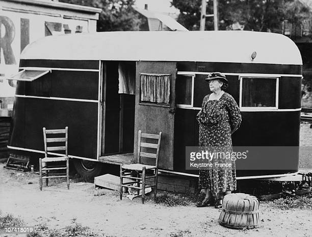 Woman In Front Of Her Caravan In Usa On January 1937