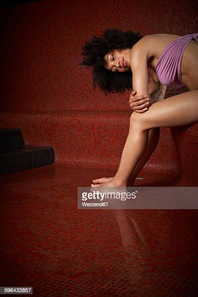 woman in hamam - black woman in sauna stock pictures, royalty-free photos & images