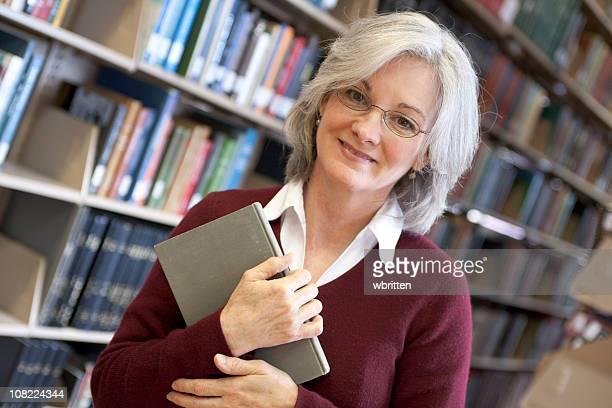 Frau in der Bibliothek Series (XXL