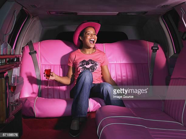 Femme en limousine