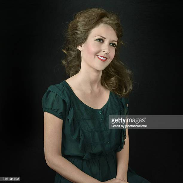 woman in modern times - josemanuelerre fotografías e imágenes de stock