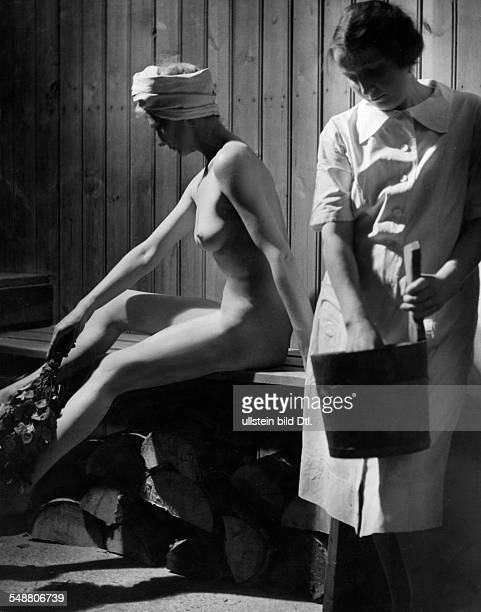 A woman in sauna 1942 Photographer Hedda Walther Published by 'Die Dame' 06/1942 Vintage property of ullstein bild