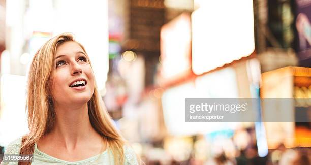 Frau in times square-New York City