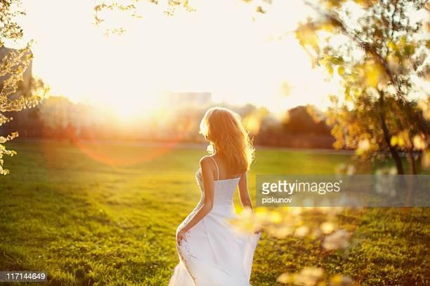Femme en robe de mariée