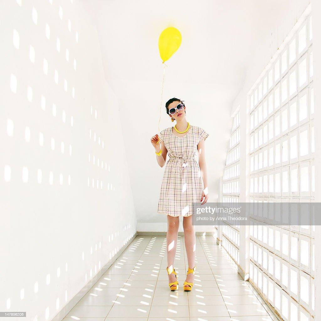 Woman in white room : Foto de stock
