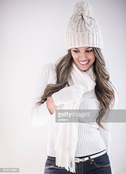 Femme en vêtements d'hiver