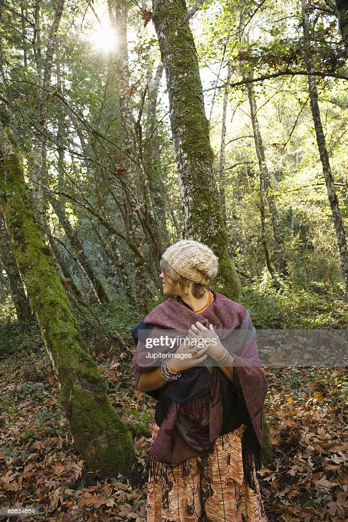 Woman In Woods Humboldt California Usa Foto de stock | Getty Images