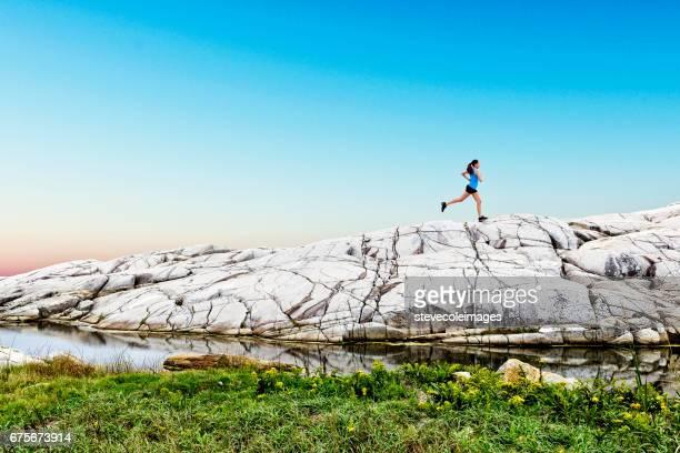 Femme Jogging sur la piste
