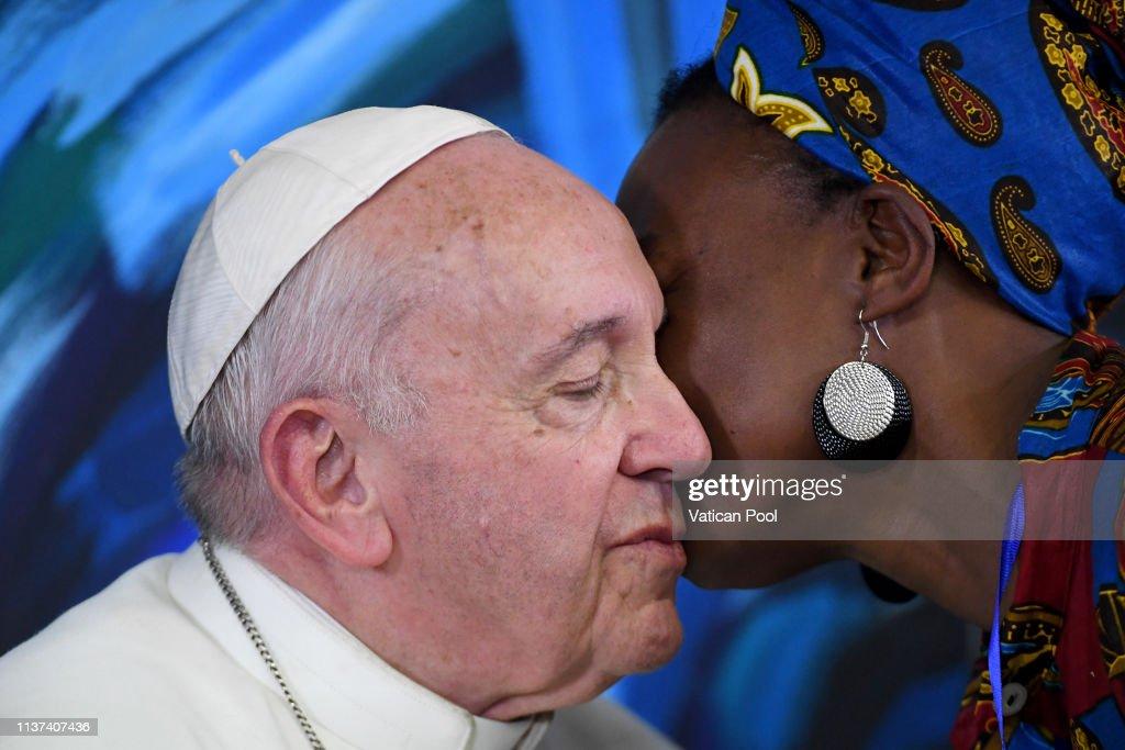 ITA: Pope Francis Visits Scholas Occurentes Foundation