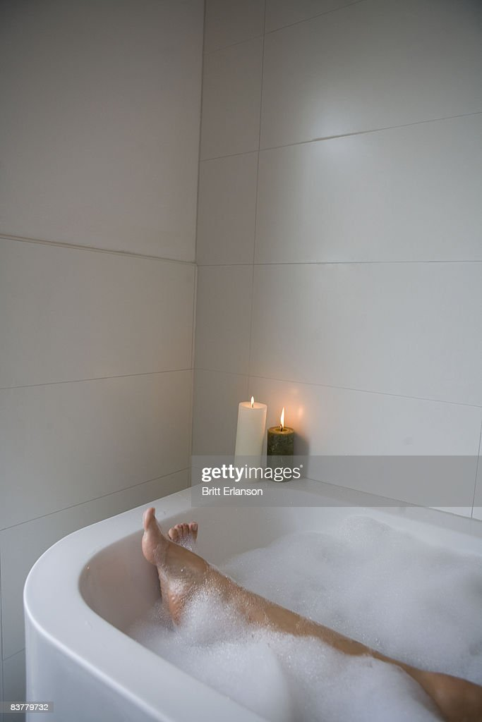 Woman legs in bathtub : Photo