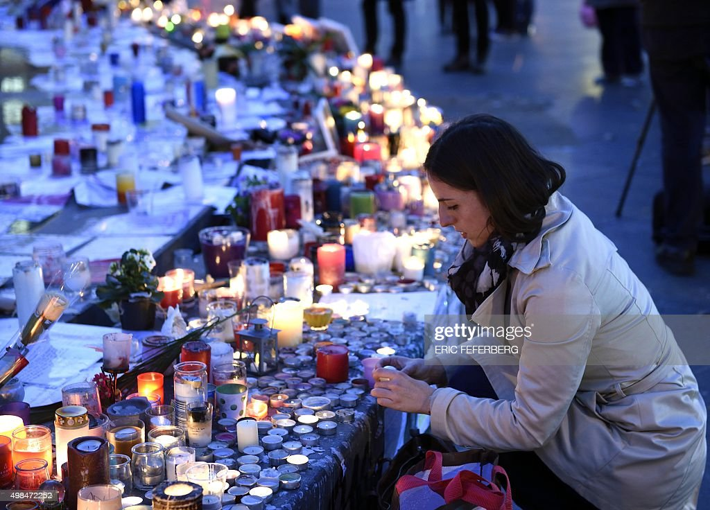 FRANCE-ATTACK-TRIBUTE : News Photo