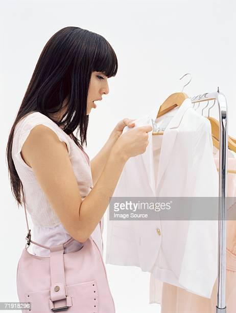 Veste femme à la recherche à l'Étiquette de prix