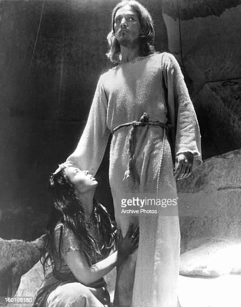 Woman looking up to Ted Neeley in a scene from the film 'Jesus Christ Superstar', 1973.