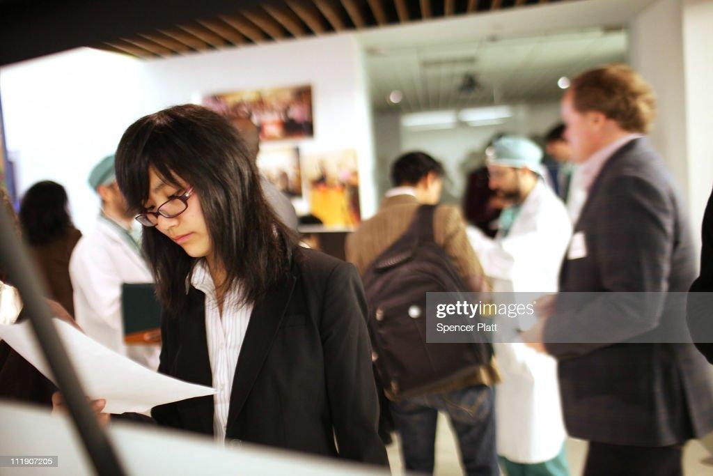 """Start Up"" Job Fair Held In AOL Building : News Photo"
