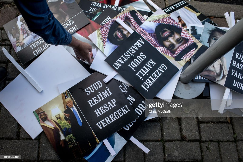 Protest Held Outside Saudi Consulate In Istanbul Over Yemen Situation : News Photo