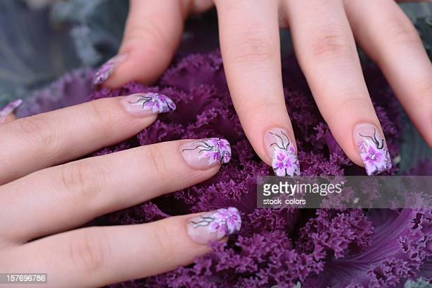 woman manicure - franse cultuur stockfoto's en -beelden