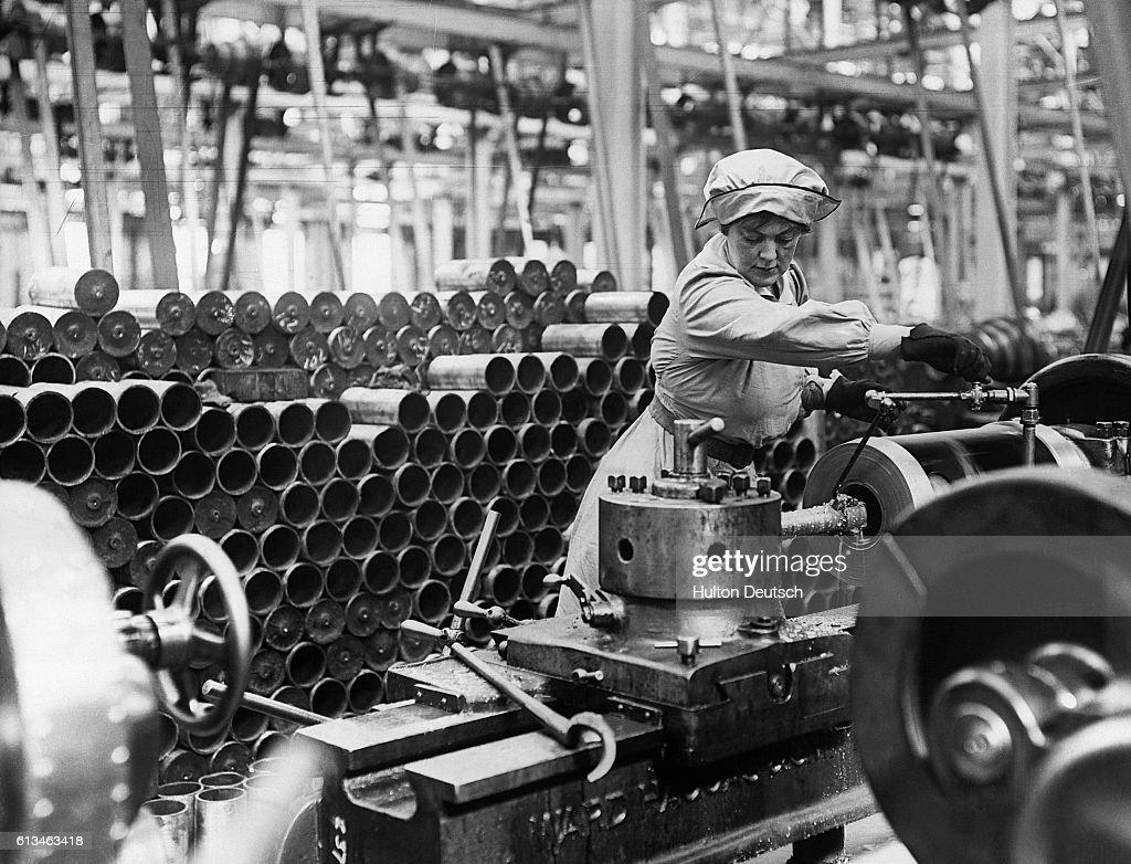 Woman Munition Worker During Great War. : Photo d'actualité