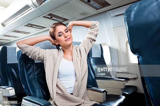 Frau mit dem Flugzeug