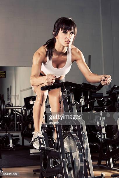 女性には、エアロバイク