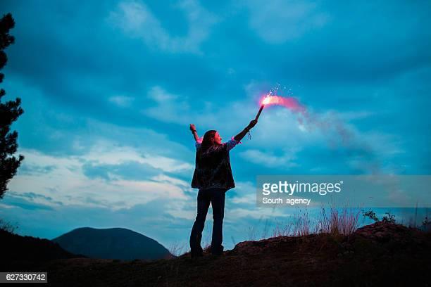 Frau auf die Berge
