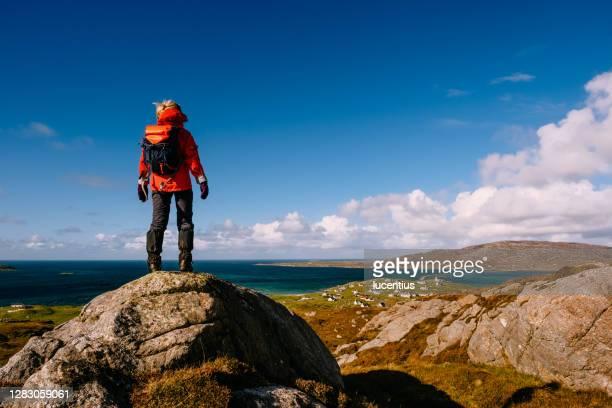 エリスカイ島の上の女性, スコットランド - ゲートル ストックフォトと画像