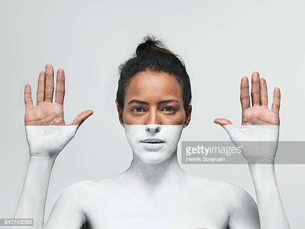 woman painted white - body paint stock pictures, royalty-free photos & images