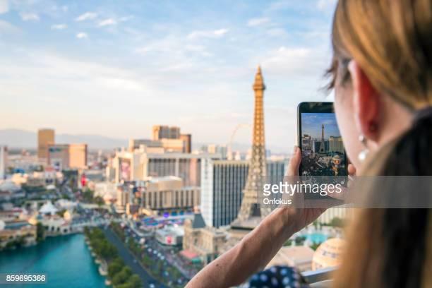 Fotografieren der Las Vegas Strip, Nevada Frau