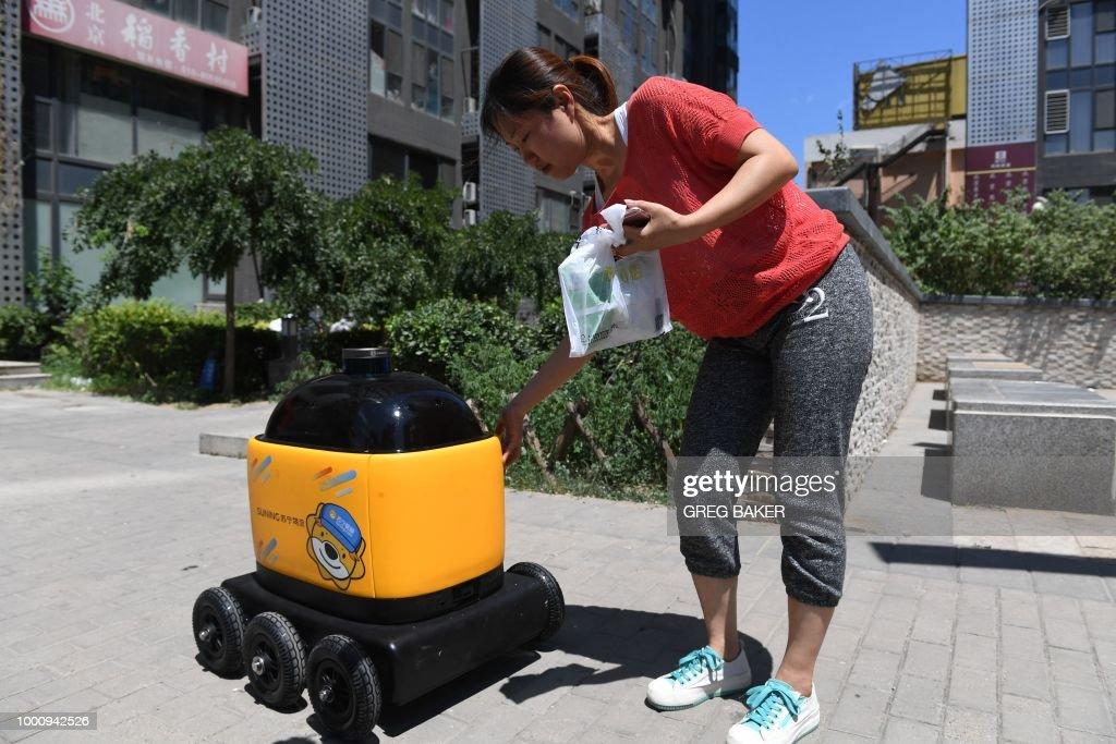CHINA-TECHNOLOGY-ROBOTS-CONSUMER-SCIENCE : News Photo